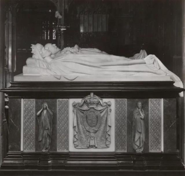 Among the notables already there include George III, George IV, George V of Hanover and William IV. Pictured: King Edward II and Queen Alexandra in the chapel