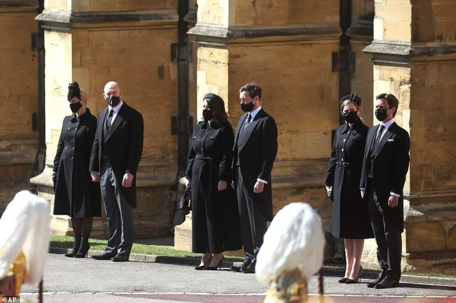 Zara Tindall, Mike Tindall, Princess Eugenie, Jack Brooksbank, Princess Beatrice and Edoardo Mapelli Mozzi watch the procession at the Galilee Porch of St George's Chapel