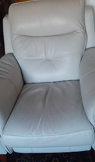 La silla reclinable blanca se descoloró