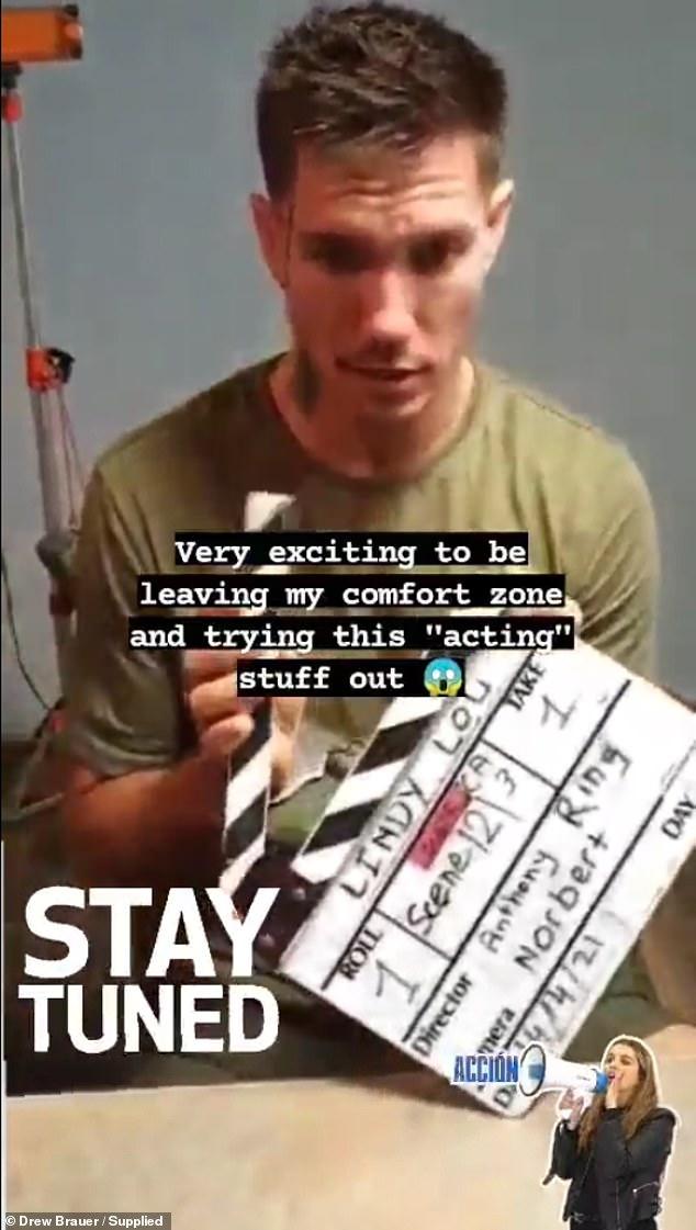 ¡Y acción!  Drew, quien fue emparejado con KC Osborne en el experimento social de Nine, interpreta a un criminal de drogas recién salido de prisión en el cortometraje Lindy Lou.