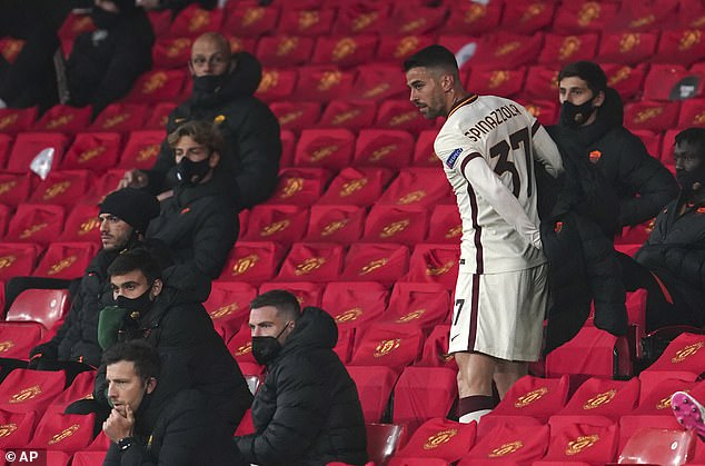 Leonardo Spinazzola was forced off in a big blow to the visitors after he shone in the first half