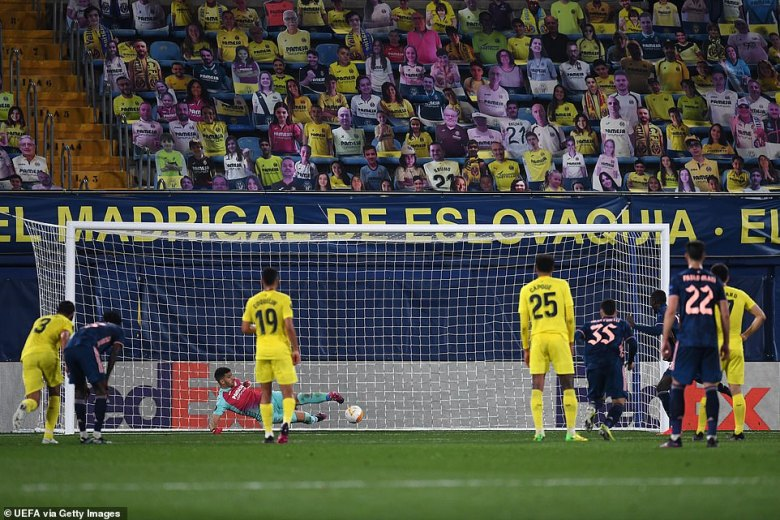 The Ivorian winger sends Villarreal goalkeeperGeronimo Rulli the wrong way in the 73rd minute of the Europa League clash