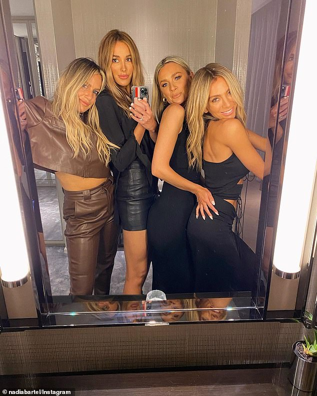 Girls night!Bec took the group mirror selfies while the girls all posed