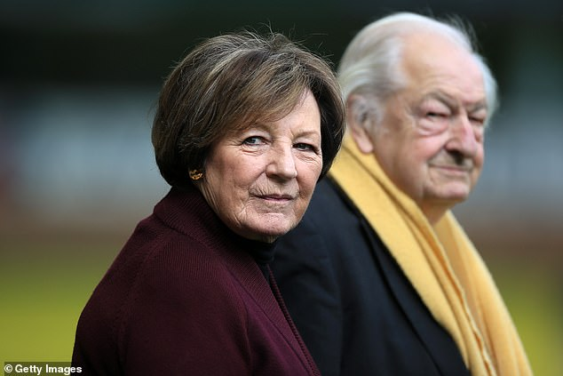 Norwich is a club controlled by Delia Smith (front) and ¿husband, Michael Wynn-Jones (back)