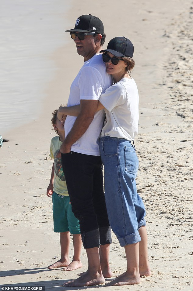 Life's a beach! Rose Byrne and her husband Bobby Cannavale packed on the PDA over the weekend as they enjoyed some beach time in Bondi following a 14 days of mandatory quarantine