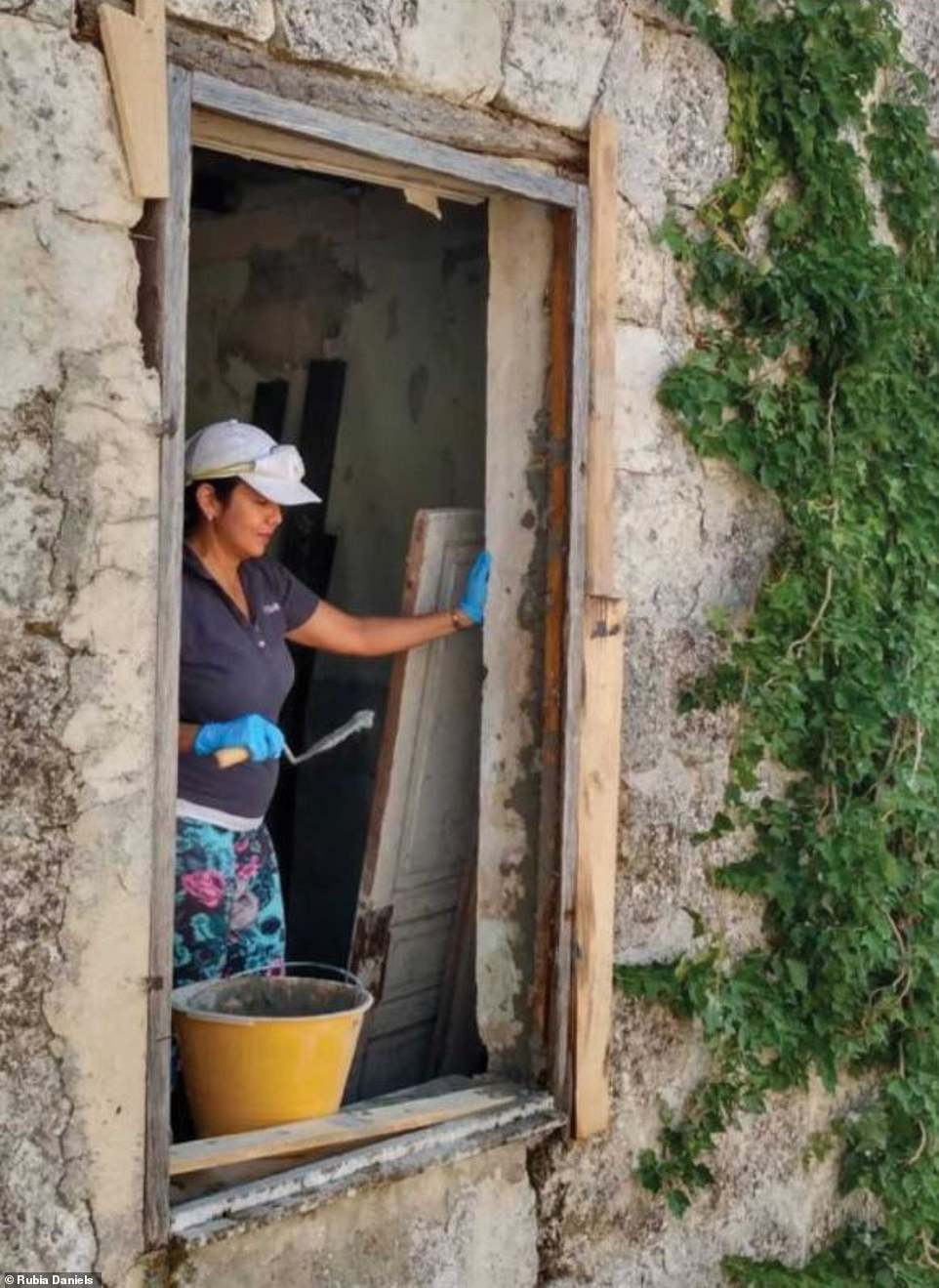 Be prepared! Daniels said others should do research before arriving. In Mussomeli, buyers must renovate within three years or face losing a reported €5,000 deposit