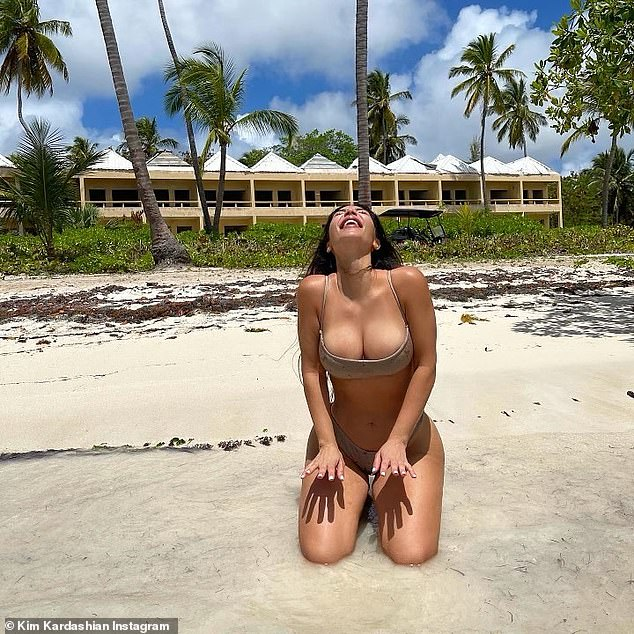 `` For every week that passes since she filed for the divorce, Kim seems happier.  She knows filing for divorce was the right decision, '' an insider revealed last month