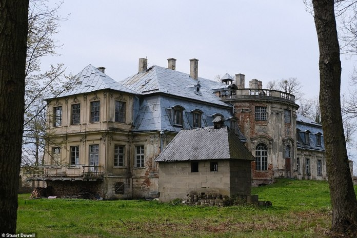 The dig is being led by the Silesian Bridge Foundation and is concentrating on an old orangery in a small area of the 14-hectare park at the palace (pictured)
