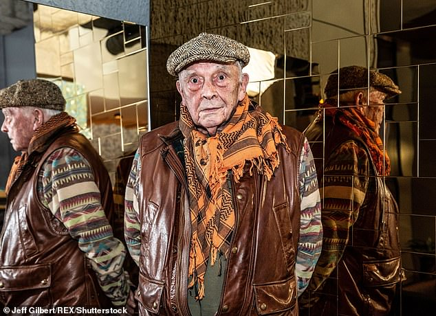 David Bailey to start over with his first fashion photography book dedicated to the 1980s