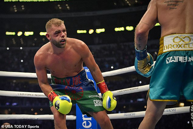 Billy Joe Saunders' corner threw in the towel after round eight due to the Briton's eye injury