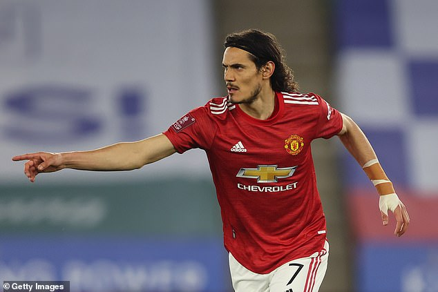 Manchester United have the option to extend Edinson Cavani's deal with them for one year