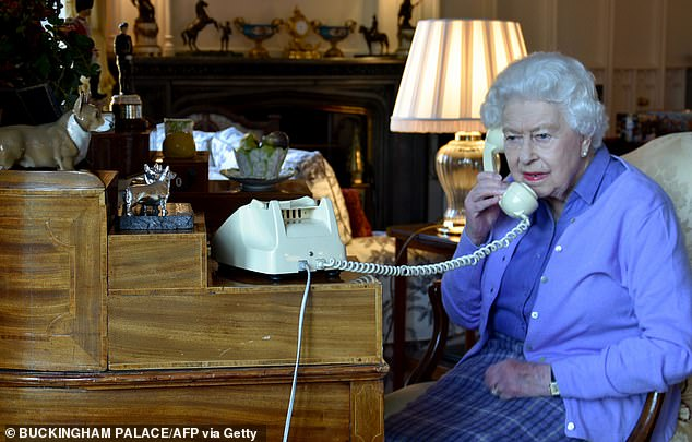 Royal expert Phil Dampier told FEMAIL Her Majesty has probably used the same phone for years - and has a 'if it ain't broke, don't fix it' mentality