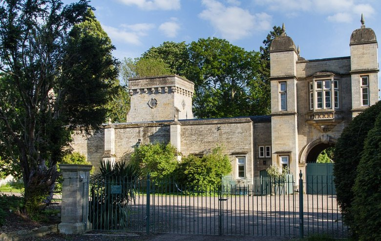 The Easton estate in Lincolnshire has a pair of stone cottages, The Gatehouse and May Lodge, as well as smaller Loft suites