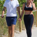 Ivanka Trump shows off her impressive abs while walking with Jared Kushner in Miami 💥👩💥