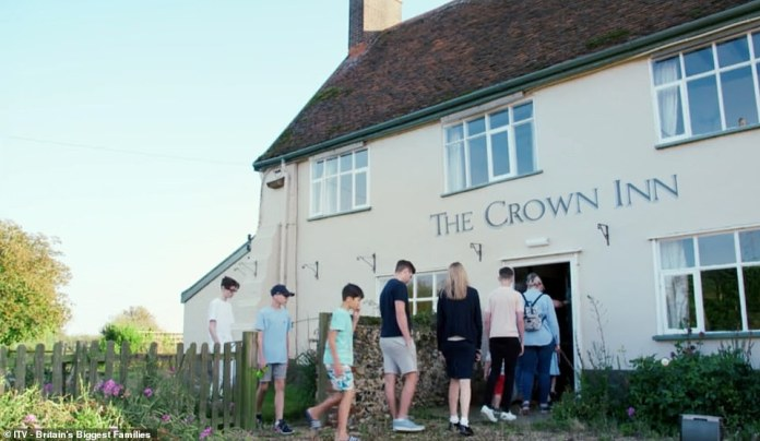 Determined to ensure his family's future financial security, Layden set out to transform a former 15th century pub into a chic hotel for around £ 100,000.