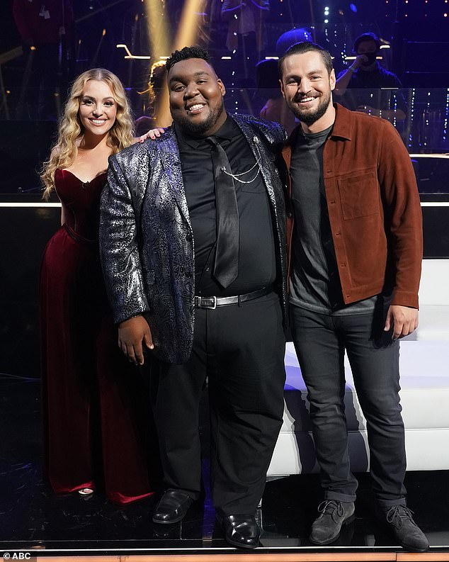 All star!  Grace heads to this week's finale alongside Willie Spence, 21, and Chayce Beckham, 24, who is a machine operator from Apple Valley, Calif.