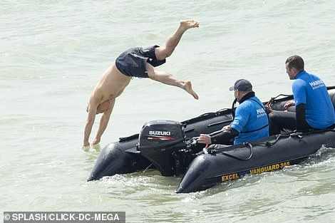 Don't hold back! It was a stark contrast to Harry, whoslowly pushed himself into the chilly ocean
