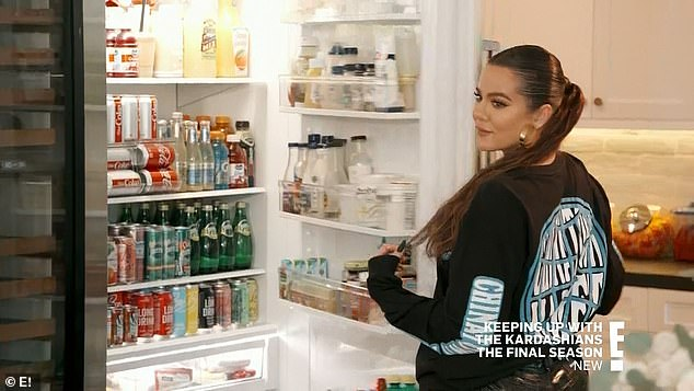 Familiar items:When she went over to Tristan's house, she discovered that he had purchased the candles and food she liked, and imitated a dozen other things she had at her house