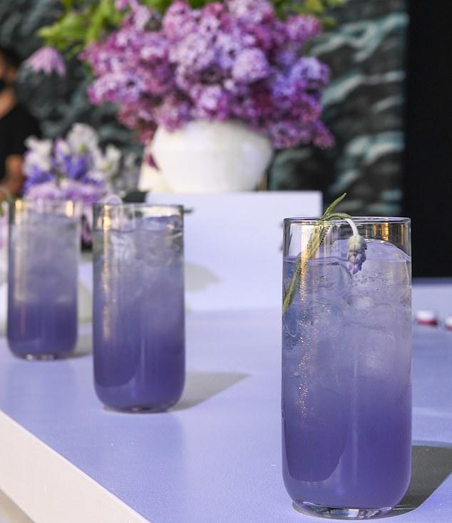 Lavender lemonade cockail
