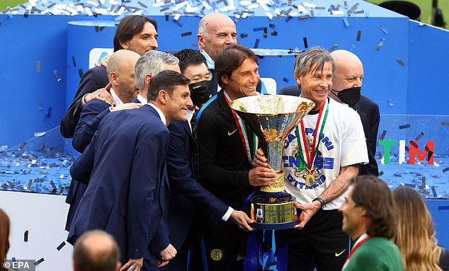 Antonio Conte (centre) left Inter Milan just days after celebrating their Serie A win
