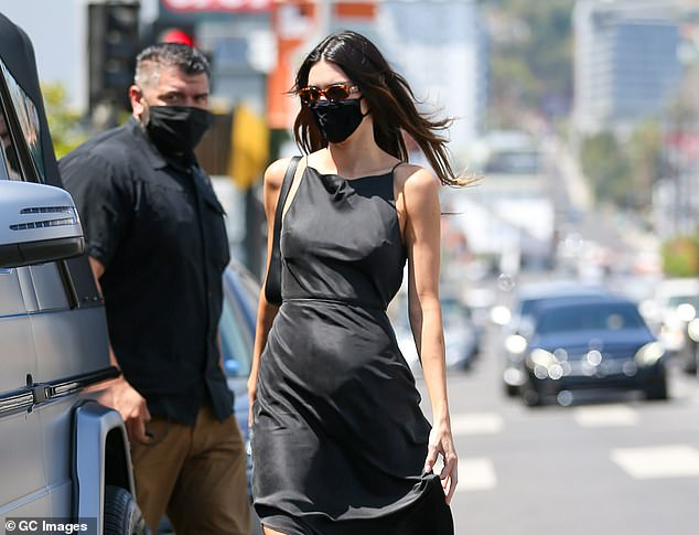 Chic:Kendall Jenner, 25, looked amazing as she was snapped visiting a Los Angeles taqueria on Thursday