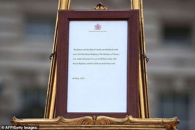 Royal staff confirmed the news of the birth with a traditional message on an easel outside Buckingham Palace. The notice pointedly failed to name the physicians who helped with the birth, as is tradition