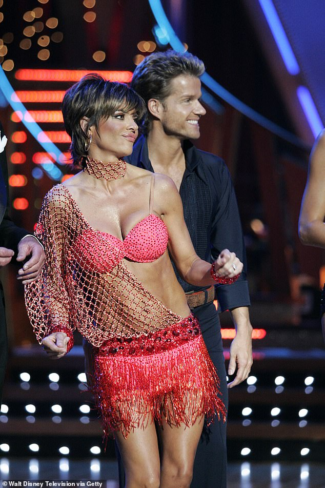 Recount! She tried her best to win the coveted mirrorball trophy on Dancing With The Stars in 2006, but came up short and was eliminated from the competition in the seventh round