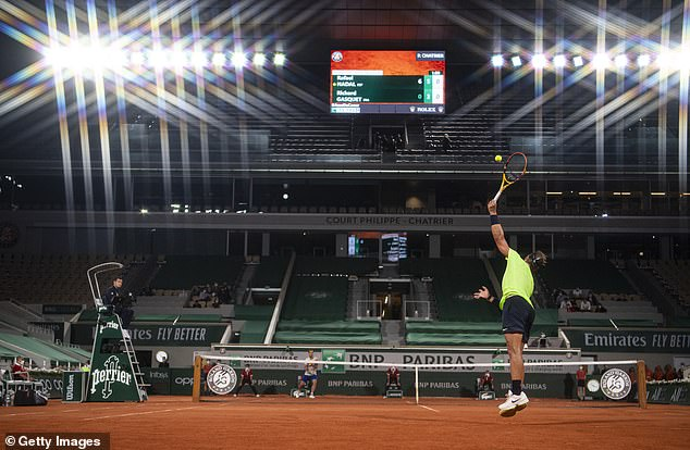 Defending champion also extended his record of consecutive sets won at Roland Garros to 29