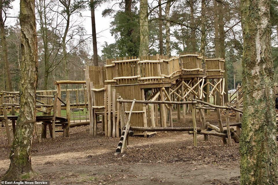The playground and Royal Park are free to use, although you do pay for parking