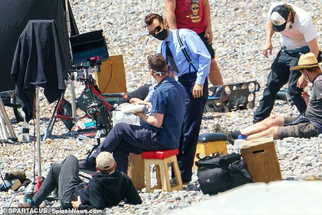 Pally: He seemed chummy with everyone on location at the beach
