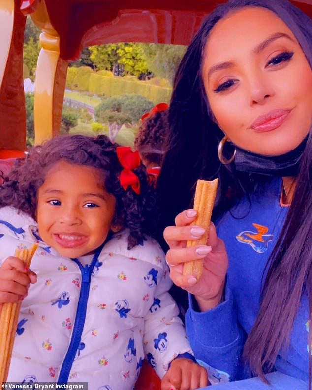 Yum! Vanessa and her daughter Capri chowed down on churros as they danced to music on theCasey Jr. Circus Train