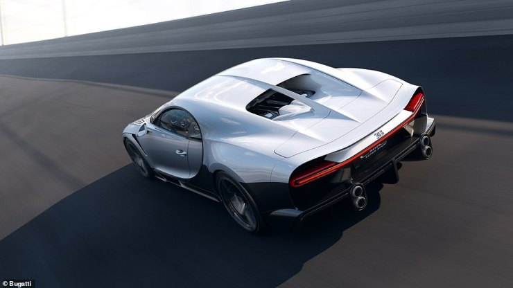 The long tail bodywork bathing this beautiful hypercar adds a quarter of a metre to the standard Chiron model