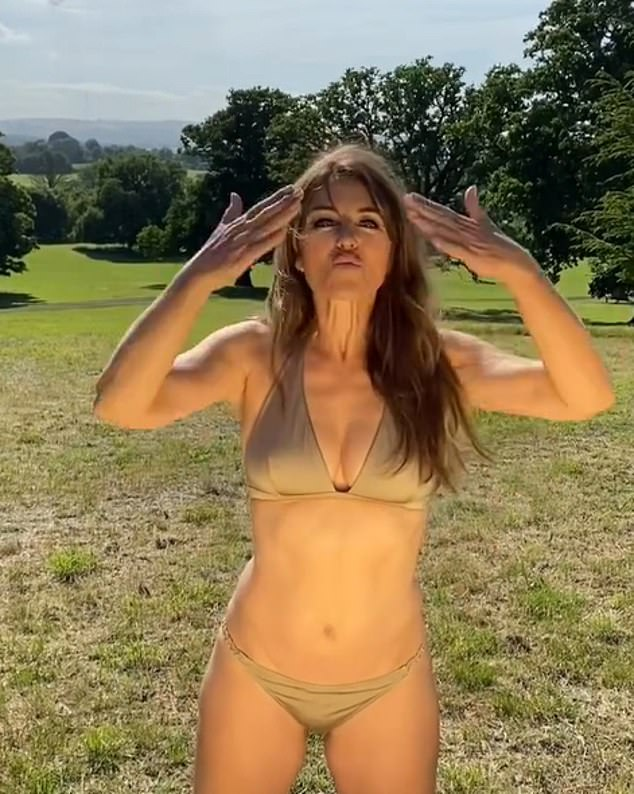 Mwah!The rolling hills and lush greenery stretching out behind her, Elizabeth looked up at the clear blue skies and twirled around, blowing a kiss to her followers