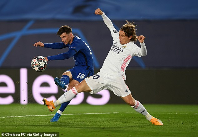 Mason Mount (L) believes he knows Luka Modric's moves after looking up to him as a kid