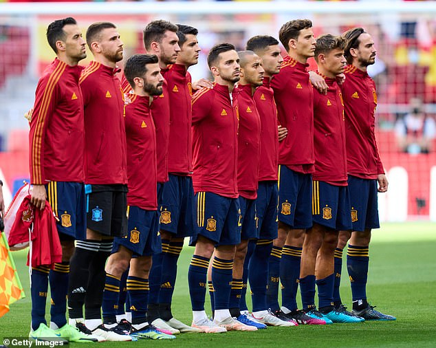 Spain's players have been urged to stand rather than kneel ahead of kick-off against Sweden