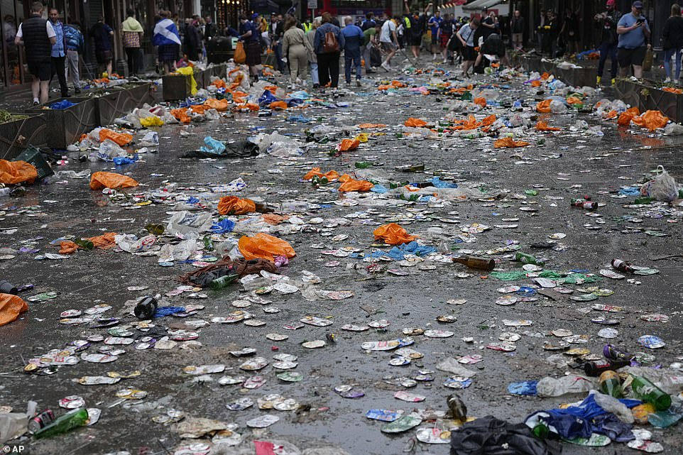 When the hundreds of fans finally dispersed from Leicester Square, the whole area was littered with crushed beer cans, broken bottles and plastic bags