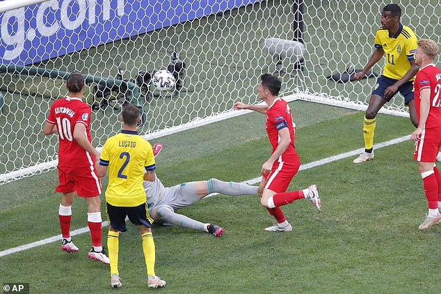 Lewandowski somehow managed to miss from two yards out as his header hit the bar at 1-0