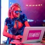 Paris Hilton shows off leggy figure at Resorts World Las Vegas opening 💥💥