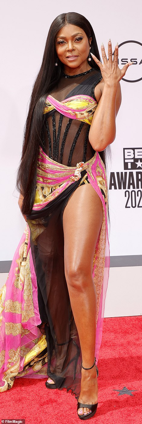 If you've got it! Taraji P. Henson legged her way through the red carpet in this sizzling look