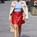 Pussycat Dolls' Ashley Roberts puts on leggy display in leather mini skirt whilst going braless 💥💥
