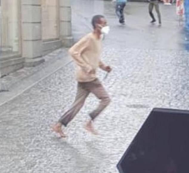 Ses commentaires interviennent juste une semaine après qu'un immigrant somalien – arrivé en Allemagne en tant que réfugié en 2015 – ait poignardé trois personnes à mort