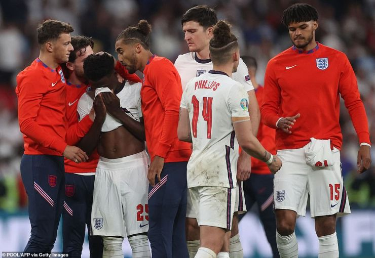 Heartache:England's Three Lions, who had united the nation with their run to the final, saw their Euro 2020 dreams shattered by Italy last night