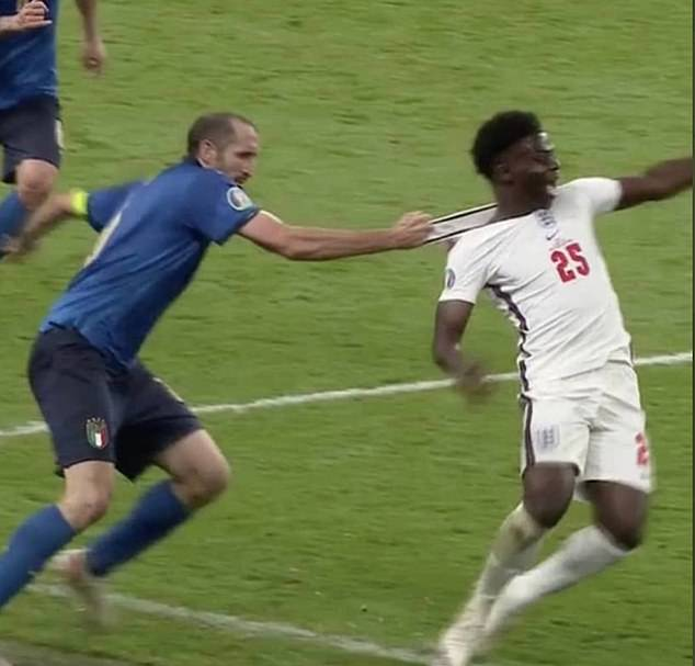 Fans have been left aggrieved by the manner in which Giorgio Chiellini fouled Bukayo Saka