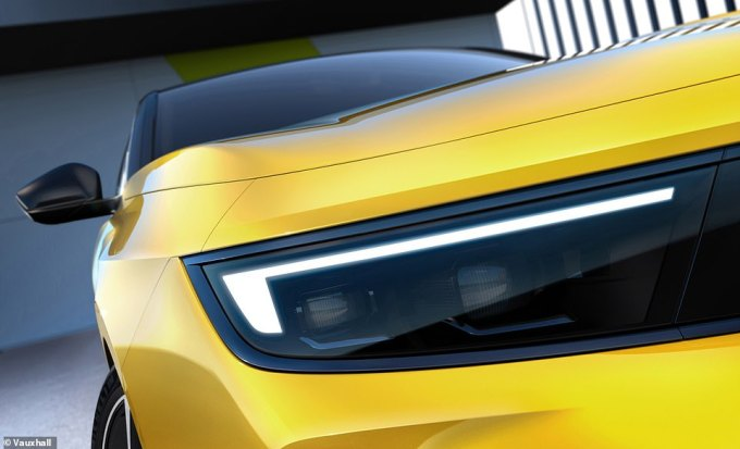 The design team has incorporated the same 'Vizor' face, which has already been used on the latest Mokka and Grandland SUVs. The single black panel across the front is flanked by LED headlights at either end