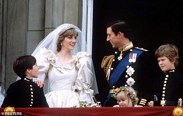 Princess Diana and Prince Charles appeared on the balcony at Buckingham Palace after the wedding
