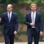 Prince Harry 'has written bombshell Megxit MEMOIR' 💥👩💥