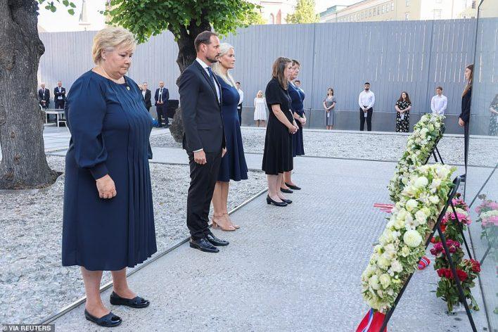 Norwegian Prime Minister Erna Solberg, Crown Prince Haakon, Crown Princess Mette-Marit, AUF leader Astrid Hoem and support group leader Lisbeth Kristine Roeyneland attend a memorial service
