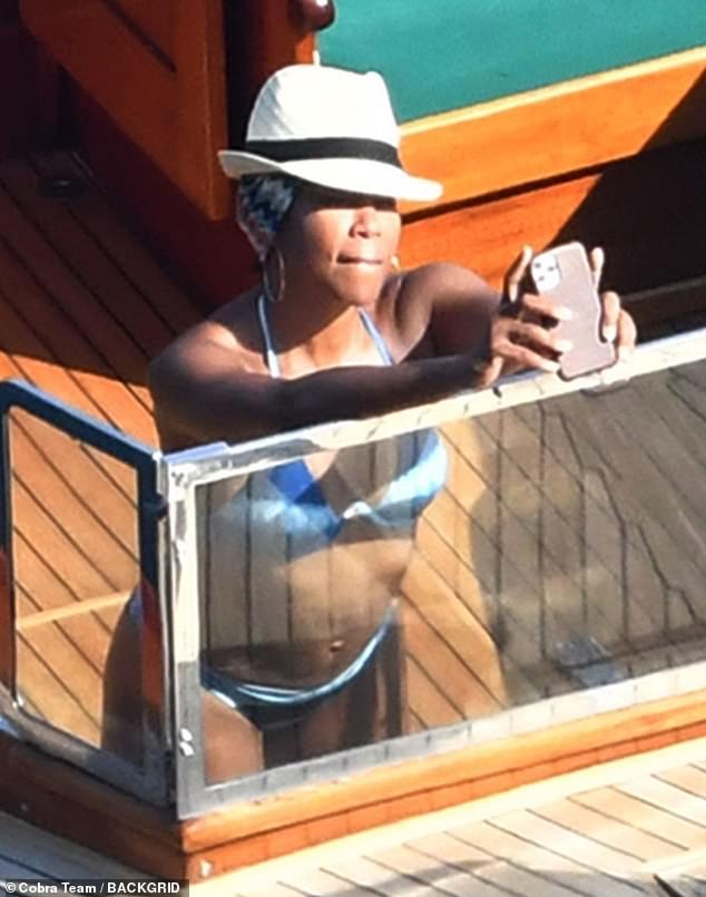Selfie time!  Oscar winner Regina King stripped down to swimwear on Wednesday while vacationing on the Italian island of Capri