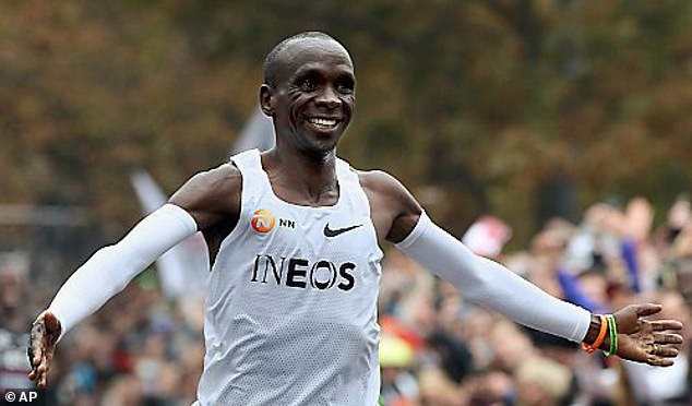 Eliud Kipchoge defends his Olympic title he won in Rio and is quiet and humble
