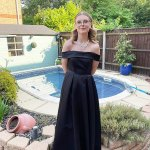 Mother criticises LinkedIn for removing photos of her son in prom dress 💥👩💥